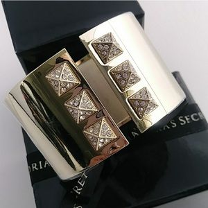 VS Limited Edition Pyramid Crystal Cuff NIB